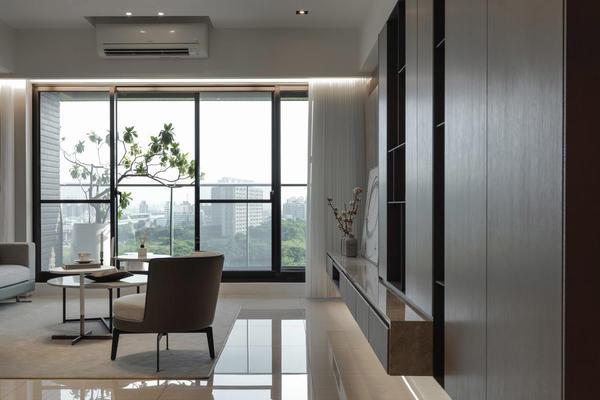 115㎡三室一厅现代休闲装修设计案例