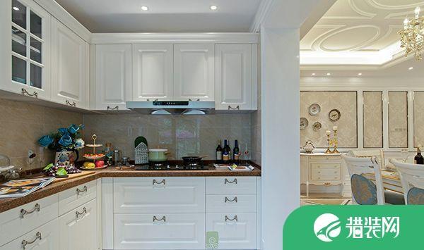 中山中澳濱河灣歐式四居室裝修,客餐廳很寬敞,色調很北歐!