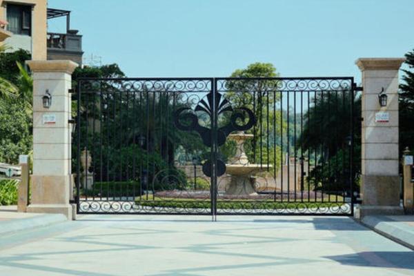 210平米欧式别墅庭院大门图片价格表
