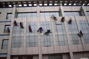 外墙清洗高空作业安全要求 蜘蛛人外墙清洗安全措施 大楼外墙清洗多少钱一个平方
