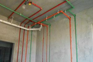 冷热水管怎么安装 冷热水管安装分左右 卫生间冷热水管安装图