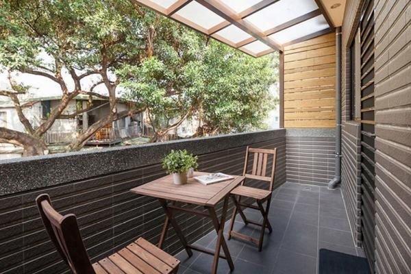 160平米別墅美式古典客廳陽臺地板磚裝修效果圖