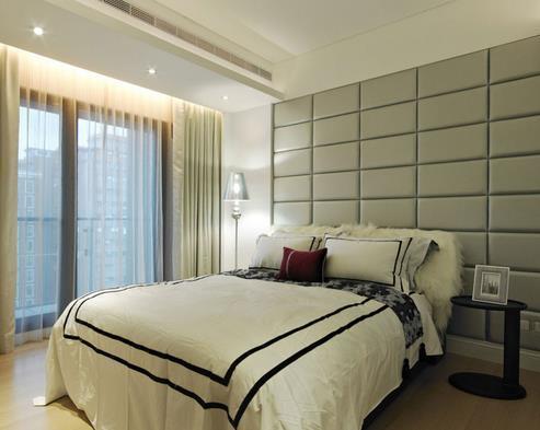 20平米地中海風格臥室床頭軟包背景墻裝修效果圖