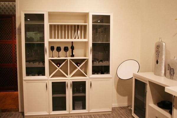 130平現代簡約風格小酒柜裝修效果圖