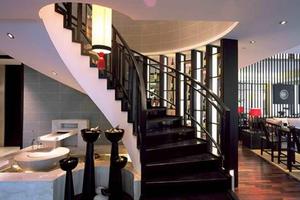 别墅楼梯下面的空间怎么利用?这样做空间利用率更高!