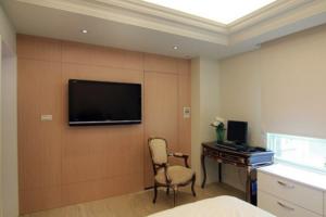 最新卧室隐形门装修效果图 卧室隐形门装修设计图大全