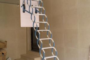 阁楼伸缩楼梯装修效果图大全 阁楼伸缩楼梯装修设计图