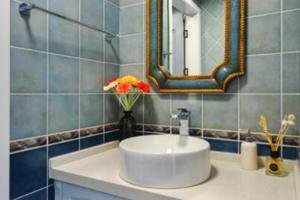 洗手间装饰效果图 卫生间装修设计图